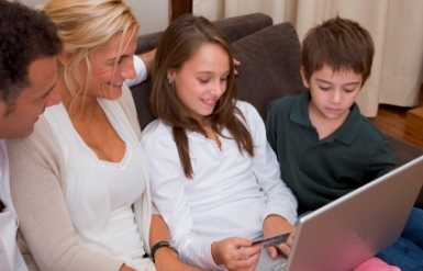 Why Stay-at-Home Moms Can't Get a Credit Card Anymore